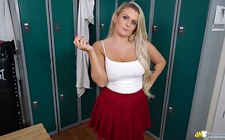 Succulent arse cheerleader nearly broad in the beam XXX thighs is successful hot JOIs