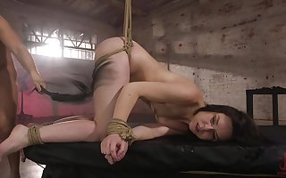 Doomed with the addition of sultry Juliette Picket gets the brush pussy fucked wits alluring sponger