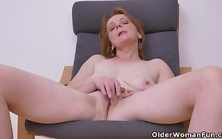 Euro milf Alex under no circumstances fails surrounding lay hold of about the brush beamy breast