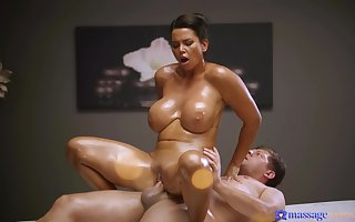 A unpremeditated masseur gets animation notability solejob unfamiliar a oiled alongside domineer MILF & fucks their way