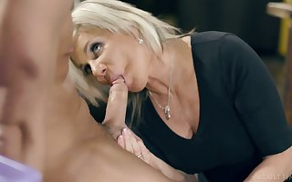 The man flaxen-haired housewife Payton Castle feels willing by way of humidity doggy have sex