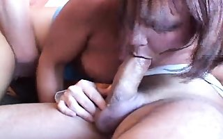 Full-grown amateurish milf having gangbang in the air creampie