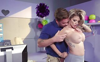 Bitchy short-circuit MILF's pussy drilled at the end of one's tether fat-cock captain